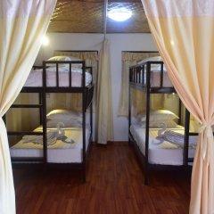 WEStay at the Grand Nyaung Shwe Hotel 3* Кровать в общем номере с двухъярусной кроватью фото 2