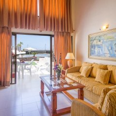 Отель Sands Beach Resort 4* Стандартный семейный номер с двуспальной кроватью фото 3