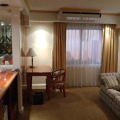 Отель Country Plaza в номере