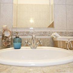 Отель Liana-Luxury And Central Flat Венгрия, Будапешт - отзывы, цены и фото номеров - забронировать отель Liana-Luxury And Central Flat онлайн ванная