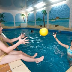 Ferien- und Reitsport Hotel Brunnenhof бассейн