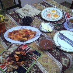 Отель Vazken's Guest House питание фото 2