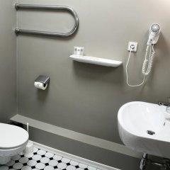 Отель Kristof Hotel Латвия, Рига - отзывы, цены и фото номеров - забронировать отель Kristof Hotel онлайн ванная фото 2