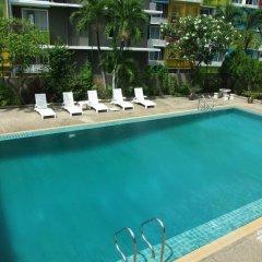 Ratchada City Hotel бассейн