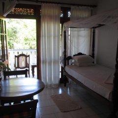 Отель Surf Villa Шри-Ланка, Хиккадува - отзывы, цены и фото номеров - забронировать отель Surf Villa онлайн комната для гостей фото 2