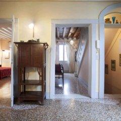 Отель Locappart Santa Croce Италия, Венеция - отзывы, цены и фото номеров - забронировать отель Locappart Santa Croce онлайн интерьер отеля