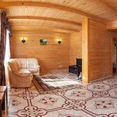 Гостиница Solnce Karpat Коттедж с различными типами кроватей фото 24