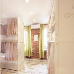 Волхонка хостел Кровать в общем номере с двухъярусными кроватями фото 21