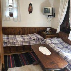 Отель Hadji Neikovi Guest Houses 2* Стандартный номер с различными типами кроватей фото 11