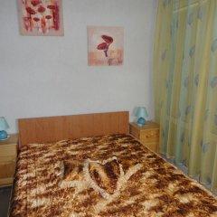 Апартаменты Elit 2 Apartments Солнечный берег комната для гостей фото 2