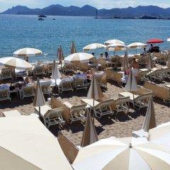 Отель Azur Cannes Le Romanesque Франция, Канны - отзывы, цены и фото номеров - забронировать отель Azur Cannes Le Romanesque онлайн пляж фото 2