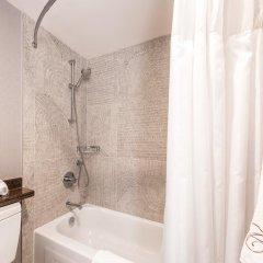 Отель Carmana Plaza Канада, Ванкувер - отзывы, цены и фото номеров - забронировать отель Carmana Plaza онлайн ванная