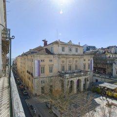 Апартаменты Lovelystay Chiado Distinctive Apartment Лиссабон балкон