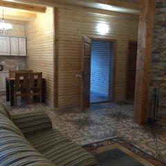 Гостиница Solnce Karpat Коттедж с различными типами кроватей фото 3