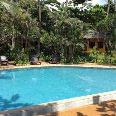 Отель Relax Bay Resort Ланта бассейн
