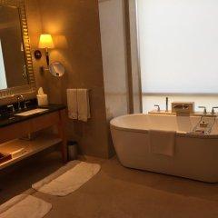 Four Seasons Hotel Mumbai 5* Улучшенный номер с различными типами кроватей