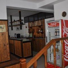 Отель Maya Hostel Berat Албания, Берат - отзывы, цены и фото номеров - забронировать отель Maya Hostel Berat онлайн гостиничный бар
