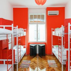 Отель Hostel Yolostel Сербия, Белград - отзывы, цены и фото номеров - забронировать отель Hostel Yolostel онлайн комната для гостей фото 4
