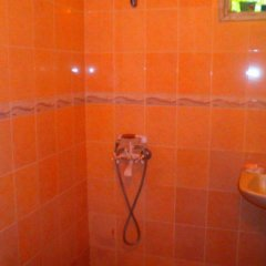 Отель Bungalows Kamena Болгария, Сандански - отзывы, цены и фото номеров - забронировать отель Bungalows Kamena онлайн ванная