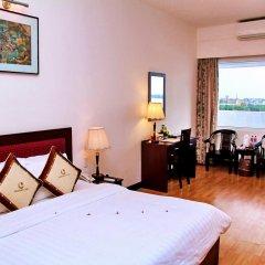 Century Riverside Hotel Hue 4* Номер Делюкс с различными типами кроватей фото 2