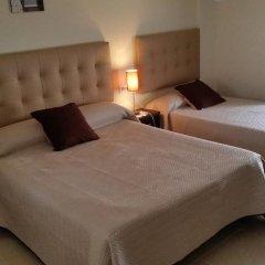 Отель Hostal Málaga Стандартный номер с различными типами кроватей фото 8