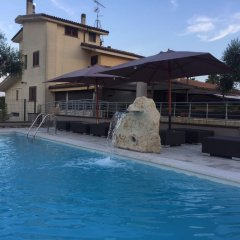 Отель Bed and Breakfast Giardini di Marzo Лечче бассейн