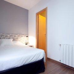 Отель Hostal Nitzs Bcn Стандартный номер с различными типами кроватей фото 2