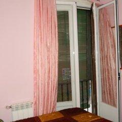 Отель Hostal Naranjos Стандартный номер с различными типами кроватей фото 22