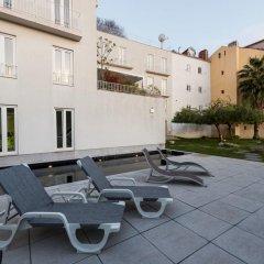 Отель Pateo Lisbon Lounge Suites Португалия, Лиссабон - отзывы, цены и фото номеров - забронировать отель Pateo Lisbon Lounge Suites онлайн бассейн фото 3