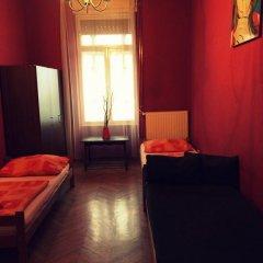 Boomerang Hostel and Apartments Стандартный номер с различными типами кроватей (общая ванная комната) фото 13
