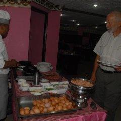 Отель Vaishali Hotel Непал, Катманду - отзывы, цены и фото номеров - забронировать отель Vaishali Hotel онлайн питание фото 3
