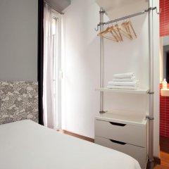 Отель Hostal Nitzs Bcn Стандартный номер с двуспальной кроватью (общая ванная комната) фото 4