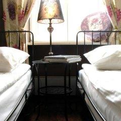 Отель Chmielna Guest House 4* Стандартный номер с разными типами кроватей фото 4