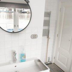 Отель Rent A Houseboat ванная фото 2