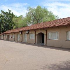 Отель Oasis Motel Габороне парковка