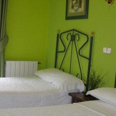 Отель Hostal Residencia Fernandez Испания, Мадрид - отзывы, цены и фото номеров - забронировать отель Hostal Residencia Fernandez онлайн комната для гостей фото 2