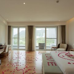Отель Mingshen Golf & Bay Resort Sanya 4* Стандартный номер с различными типами кроватей фото 6
