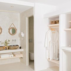 Отель Naxian Utopia Luxury Villas & Suites ванная