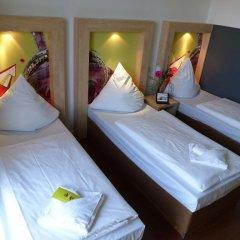 H+ Hotel 4 Youth Berlin Mitte 2* Стандартный номер с различными типами кроватей