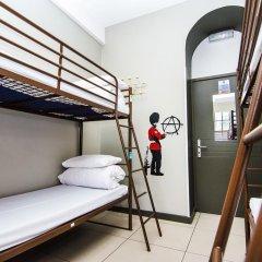 Отель Restup London Кровать в общем номере фото 32