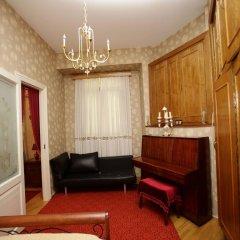 Отель Leila в номере