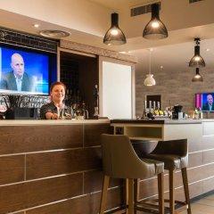 Отель Holiday Inn Brighton Seafront Великобритания, Брайтон - отзывы, цены и фото номеров - забронировать отель Holiday Inn Brighton Seafront онлайн гостиничный бар фото 2