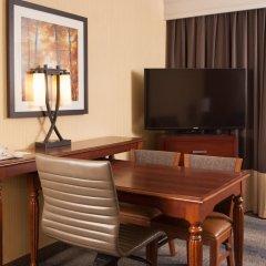 Отель Embassy Suites Bloomington 4* Люкс