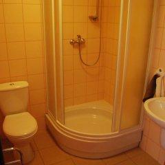 Отель Bluszcz 2* Стандартный номер с 2 отдельными кроватями фото 16