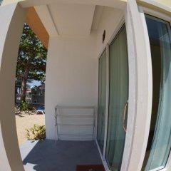 Отель TT Naiyang Beach Phuket 2* Улучшенный номер разные типы кроватей фото 6