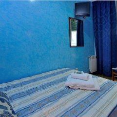 Отель Hostal Naranjos Стандартный номер с различными типами кроватей фото 7