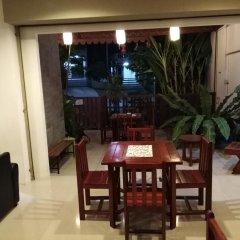 Отель Baan Oui Phuket Guest House питание