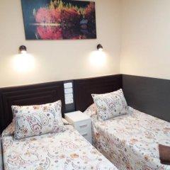 Отель Hostal Numancia Стандартный номер с 2 отдельными кроватями (общая ванная комната) фото 3