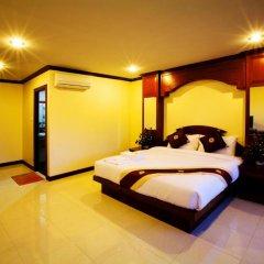 Отель Baan Sudarat Патонг сейф в номере
