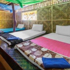 Отель Leaf House Кровать в общем номере фото 10